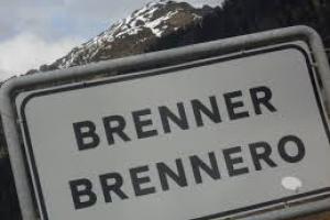Átkelés a Brenner-hágón kamionnal