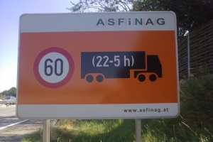 Lärmschutz, közlekedés éjszaka Ausztriában
