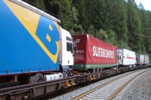 Amikor a kamion vonatra száll